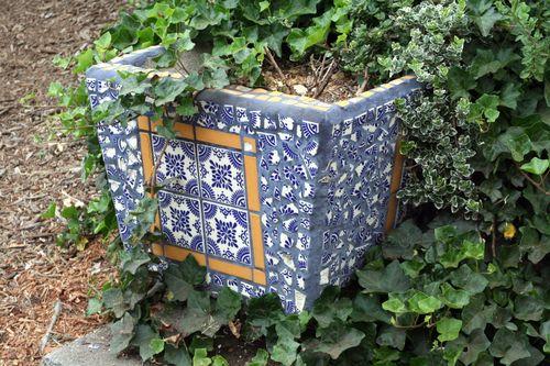 LAF mosaic planter