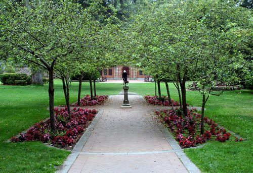 Shakespeare garden 1