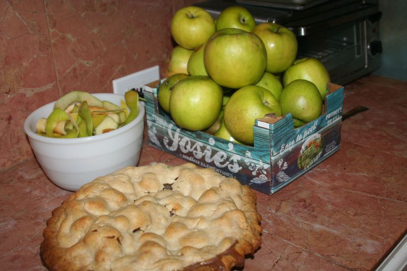 Late apple pie
