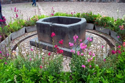 Cuzco_garden_11